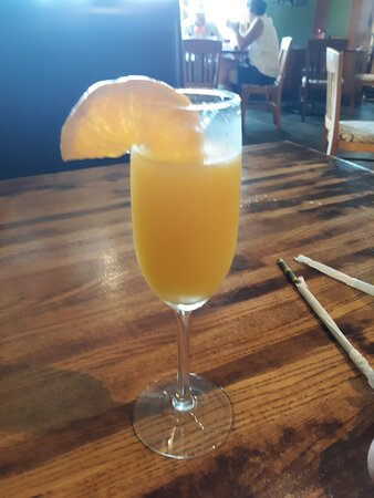 Lunch & mimosas