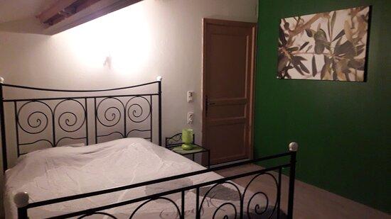 Vaucluse, Pháp: Chambre/Kamer/Room L'Olivier