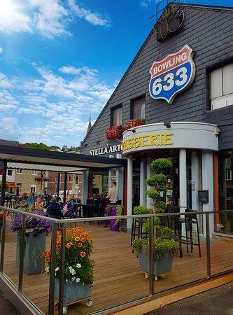 Tilff, Bélgica: Bowling sympa avec une chouette terrasse