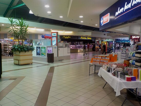 Niddrie Central Shopping Centre