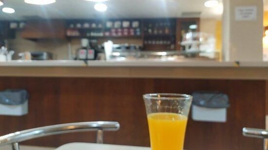imagen cafeteria los reyunos en Alcorcón