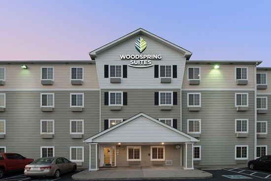 WoodSpring Suites Evansville