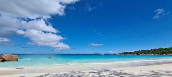 2e meilleure plage de Praslin !