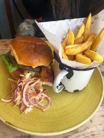 Lounge Bacon Cheeseburger