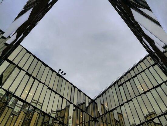 Zerkalny Dvorik