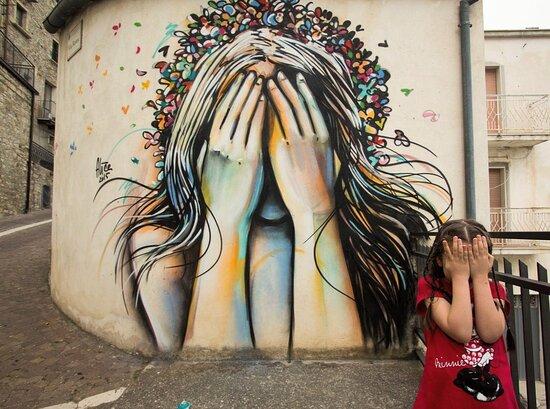 Molise, Italia: Street Art 8