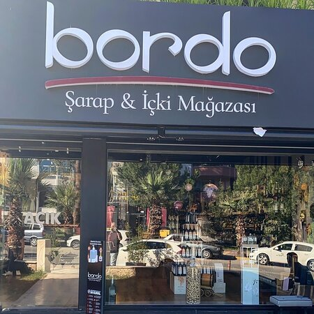 Bordo Sarap ve icki magazasI