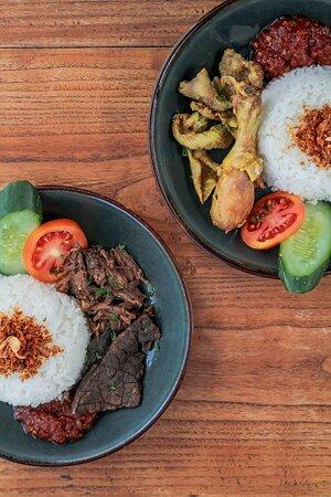 Indonesian Dishes : Nasi Empal Berparu & Nasi Ayam Berkulit