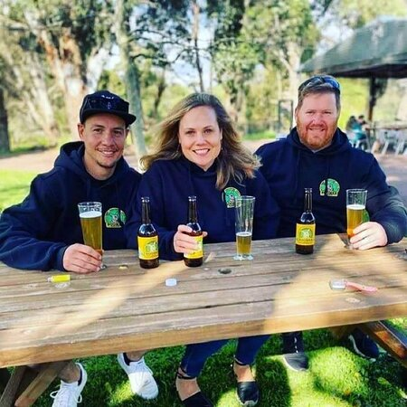 Millendon, Australia: Enjoying the tastiest  Lager in the swan Valley with friends. Come down and try the boomer lager if you havent already. enjoy a pizza while soaking up the beautiful sun and enjoying the tunes.