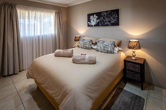 Kamieskroon, South Africa: Frances unit: bedroom