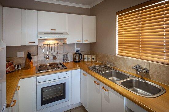 Kamieskroon, South Africa: Frances unit: kitchen
