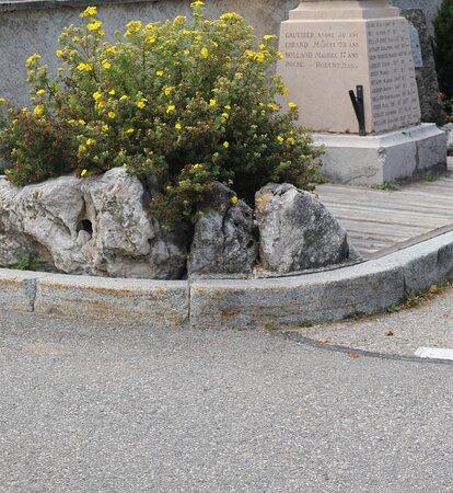 Monument Aux Morts De Correncon-en-vercors