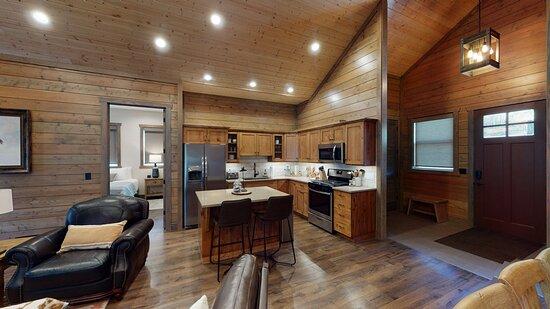 Preston, ID: Kitchen & Dining Room