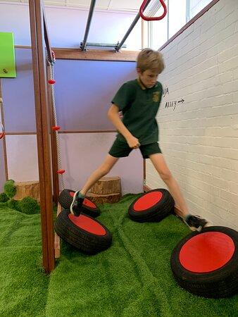 Junior ninja obstacles, Monkey Bunker