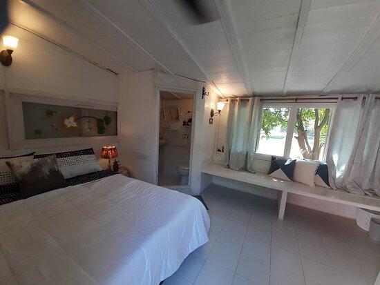 Kumphawapi, Thailand: Deluxe Double room