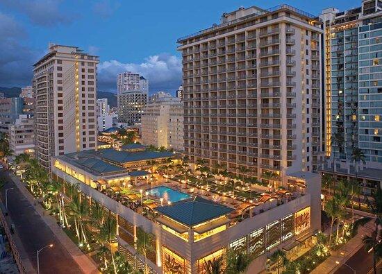 Embassy Suites By Hilton - Waikiki Beach Walk