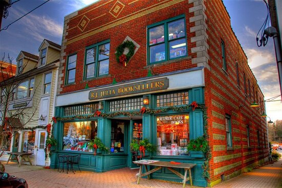 Madison, CT: The holidays at RJ Julia Booksellers