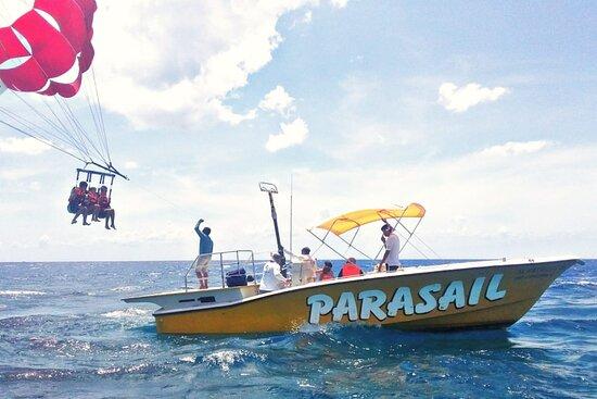 Albatross Parasailing Cozumel