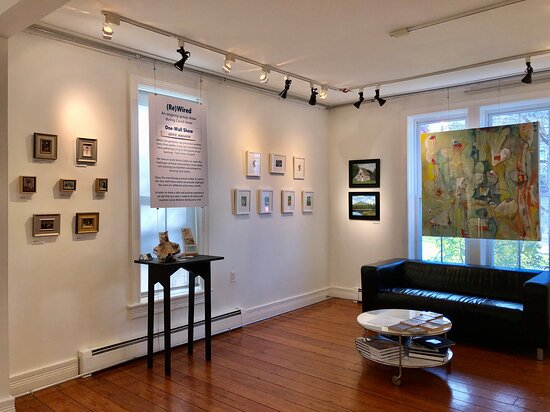 High Falls, État de New York : Joyce Washor at (Re)Wired Show - A group show featuring Mid-Hudson Valley artists