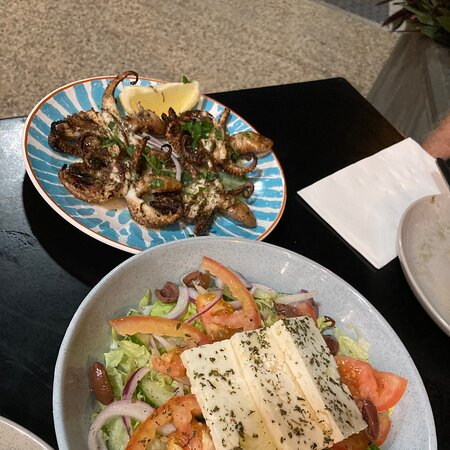Cosy Greek cafe with nice meze