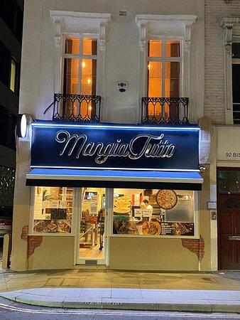 MangiaTutto Restaurant London UK - Mancare romaneasca si italiana