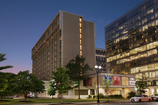 Bed Bugs In At Least Two Different Rooms Review Of Crowne Plaza Crystal City Washington D C Arlington Va Tripadvisor