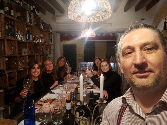 Avinae Wine & Spirits Store