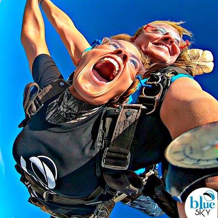 Paraquedismo Blue Sky