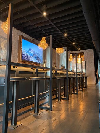 Johnstown, OH: Partitions at our bar that can be moved around to accommodate larger groups