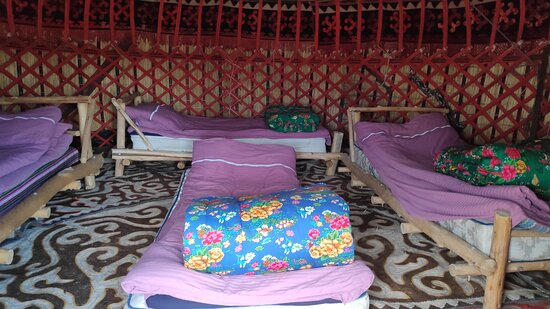 Bokonbayevo, Δημοκρατία της Κιργιζίας: Inside the yurt