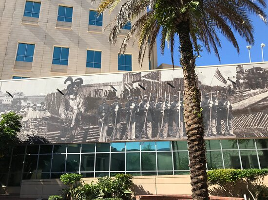 Fort Myers: An Alternative History Mural