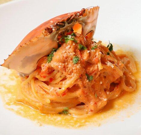 Crab tomato creamy spaghetti