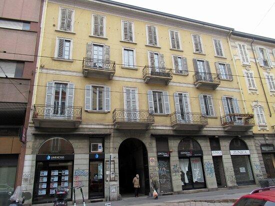 Casa Via Cesare Correnti 14