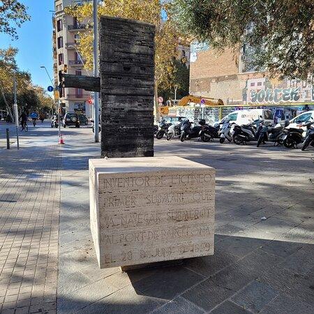 Monumento a Narcís Monturiol