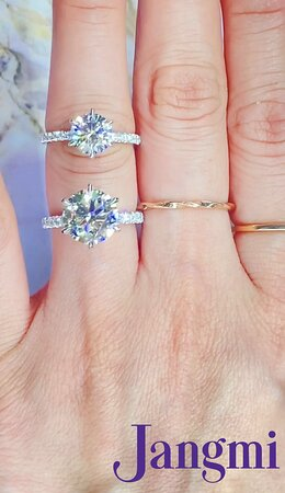 2ct and 4ct round cut diamond on our six prong love elegant pave setting.