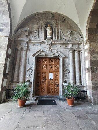 Irurita, Espanha: Puerta de la Iglesia.
