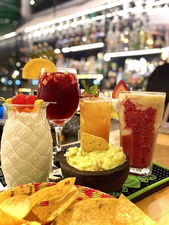 ¿Quién dijo que no se puede disfrutar unos cócteles sin alcohol?😉Disfrútalos por $4.50.