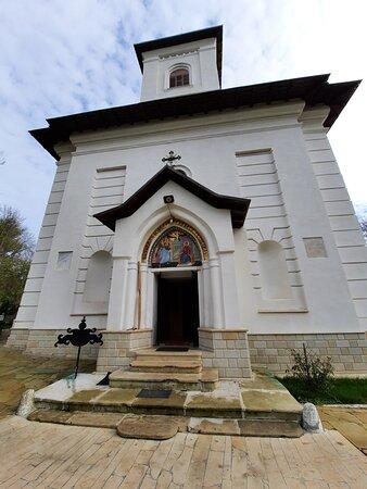 Miclauseni, Rumänien: The church in the Sturdza castle park