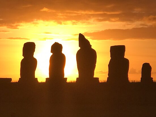 Best sunset views on Easter Island