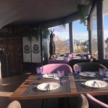 Прекрасный ресторан с видом на Сочи