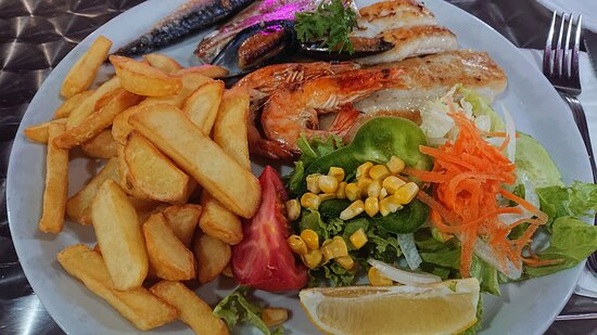 Mixed grilled fish.