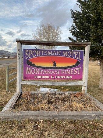 Melrose, MT: The road sign