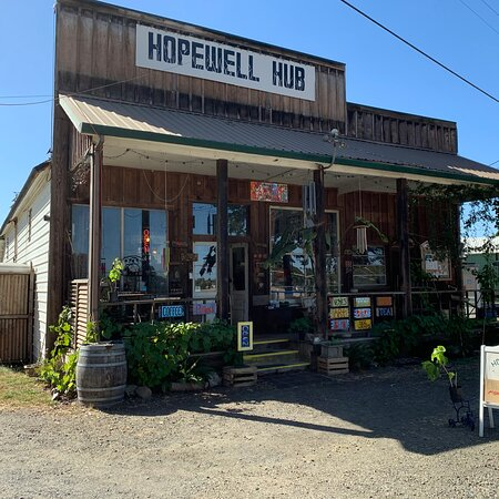Hopewell Hub General Store And Gallery