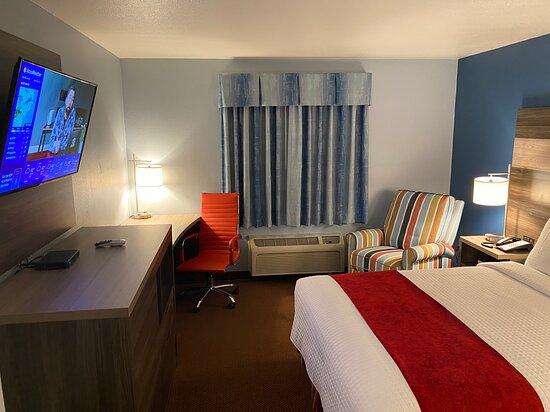 Garnett Hotel & RV Park
