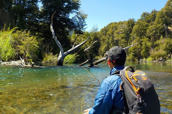 Initiation in fly fishing