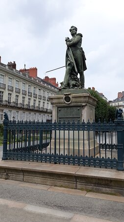 Nantes, France: la statua
