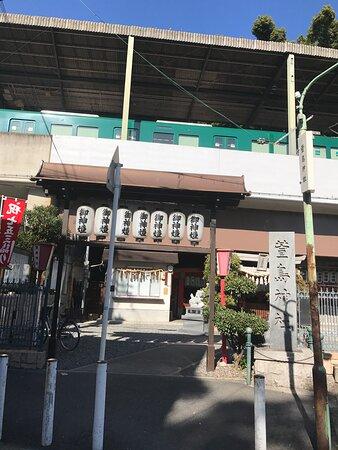 くすのきで有名な萱島神社