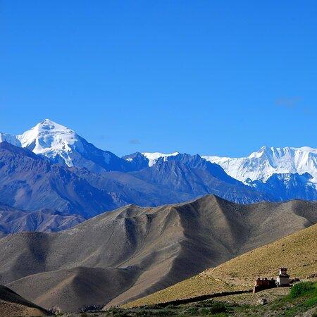 A view from upper mustang trek.