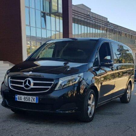 Minivan Mercedes Benz V-Class Luxury Shuttle