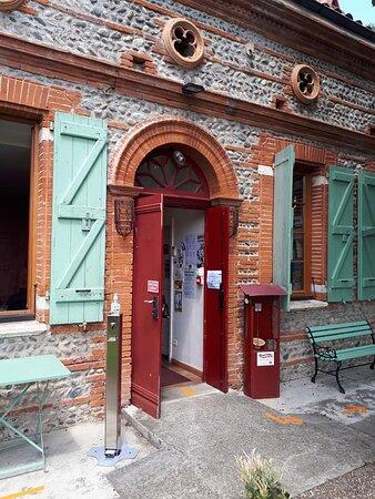 Une jolie toulousaine de 1860 abrite le Café culturel Restaurant